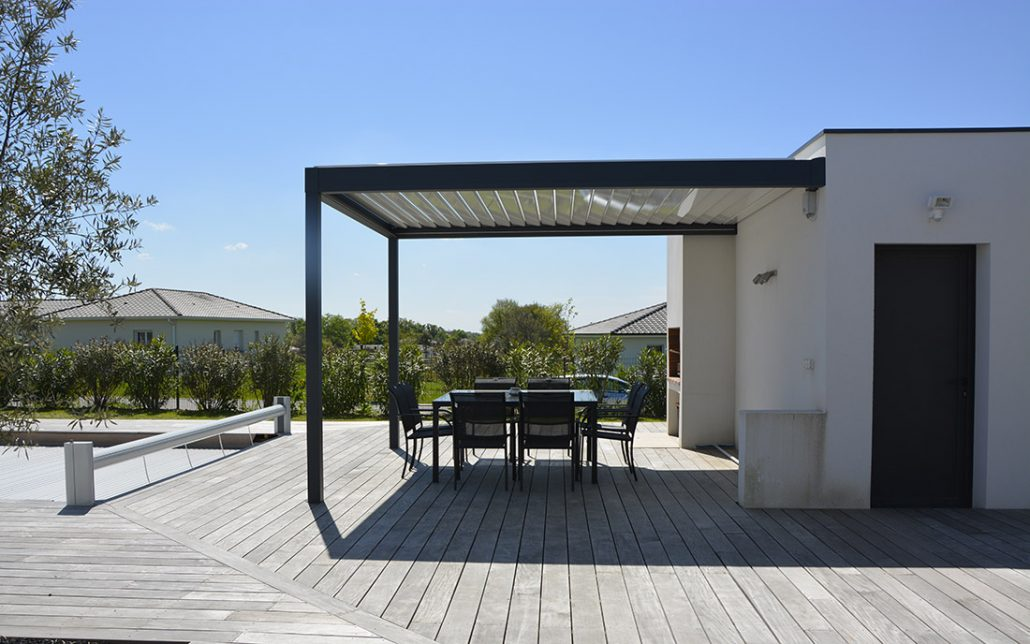 vente pose et installation de pergola bioclimatique. Black Bedroom Furniture Sets. Home Design Ideas